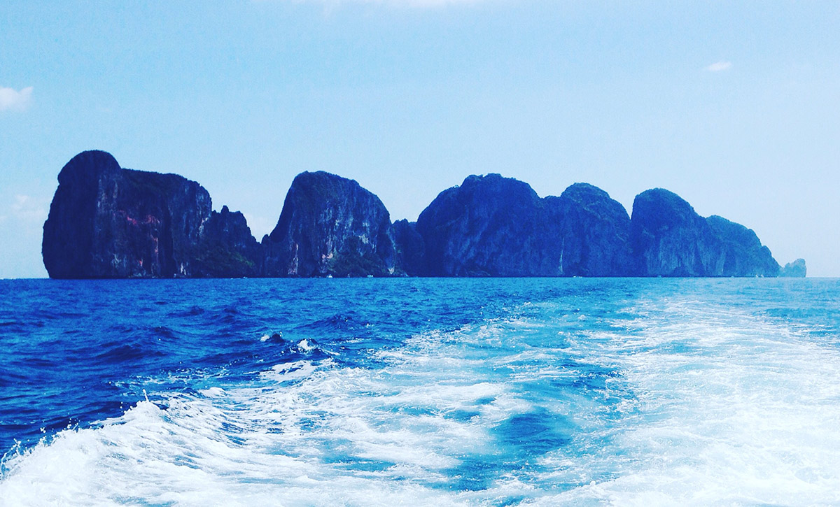 phi phi islands internship ao nang diving