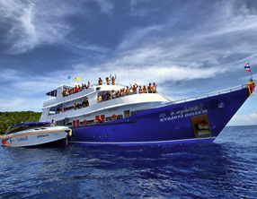 liveaboard manta queen similan islands krabi ao nang thailand